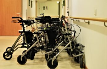 rollators-stroller-seniors-nursing homes walkers elderly